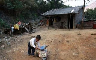 Sadness of Life | Long lives in a small village in Guangxi province. He was an orphan - and the mother and father died of AIDS. A-Long wouldn't. By himself, he washes his laundry and makes his meals. Alone, he feeds the chickens and raises the dog. Alone, he studies and le