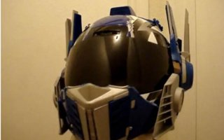 Top 6 Geeky Motorcycle Helmets | If you're motorcycles lover and you are geek at the same time, you're on the right place. This amazing motorcycle helmets are inspired from our favorite movies and video games. They are still not street legal but you must admit that this motorcycle helmet
